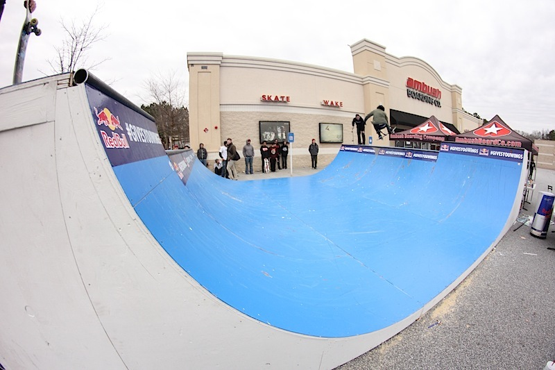 Jona from Hazard County Skatepark did an awesome job on the ramp!