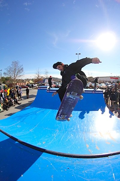 First place Shredders division Gage Johns with a big ol air fakie