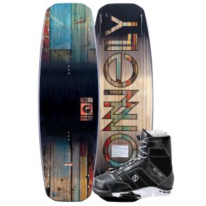 Connelly 2019 Woodro 140 w/ Cobra Wakeboard & Bindings Package